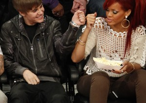 rihanna-bieber-nba-all-star-300x213